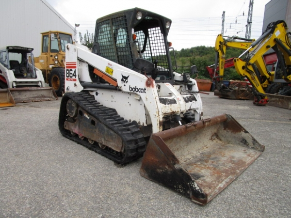 Bobcat 864 High Flow